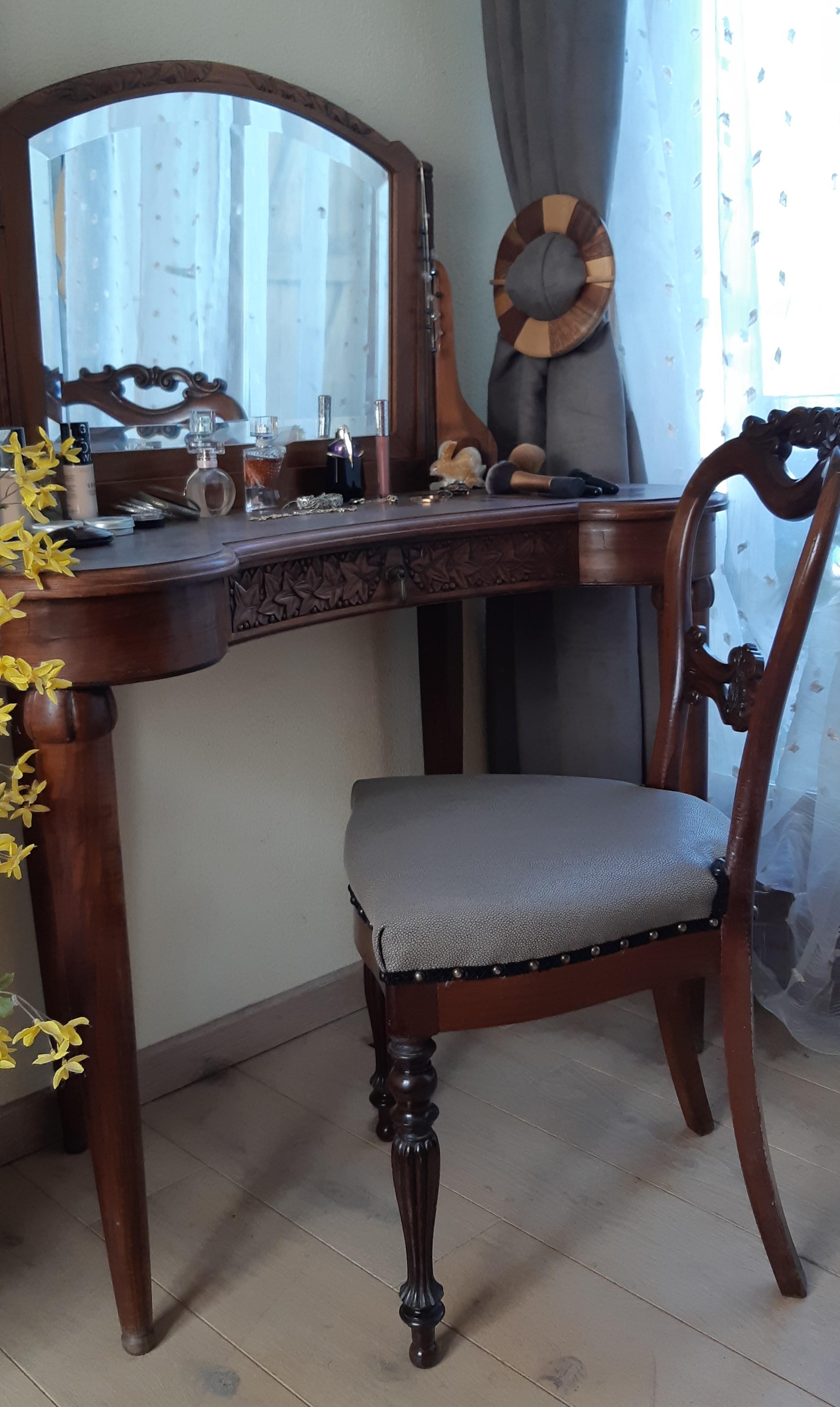 Chaise ancienne simili raie