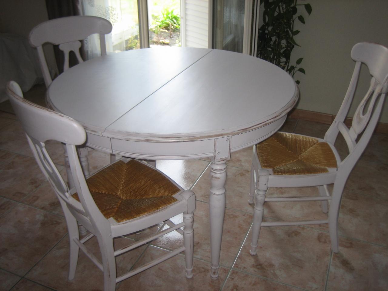 Tabe et chaises lin clair